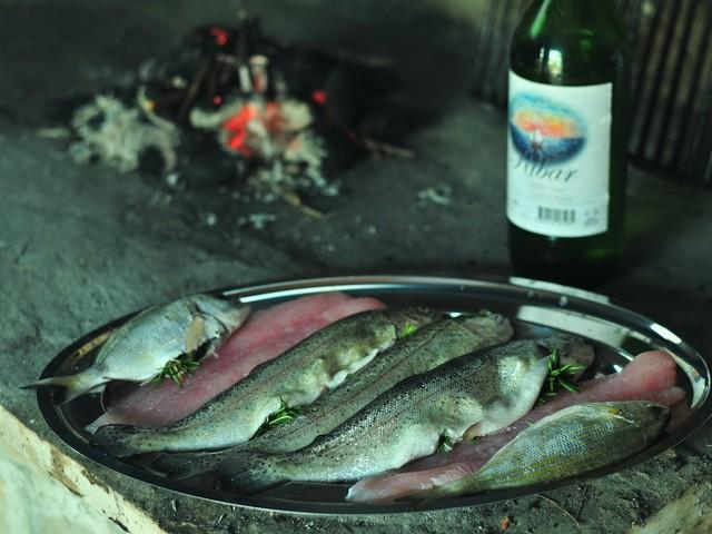 Veneto: pesce e vino rubati dalle aziende e rivenduti in Puglia, arrestati i ladri