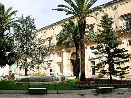 Martina Franca: sede del liceo artistico fatiscente, la protesta del Comune nei confronti della Provincia Segnalati anche altri disservizi