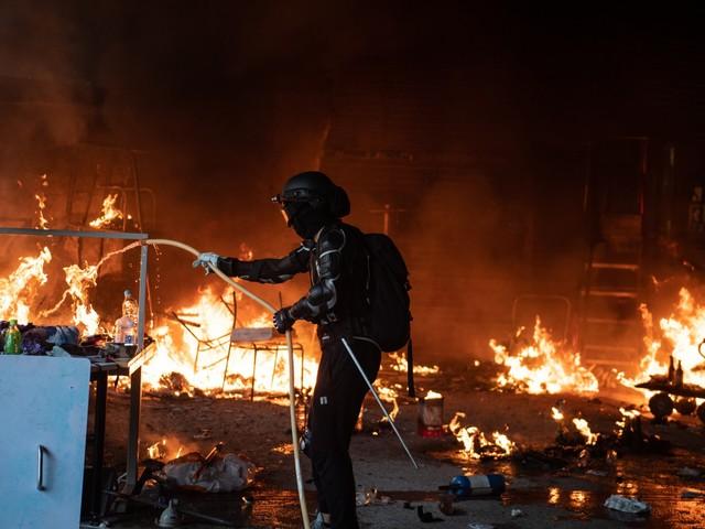 Hong Kong contagia la Cina: prima rivolta contro Pechino