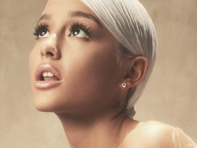 Ariana Grande devastata