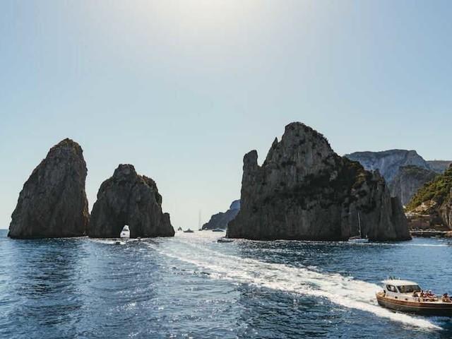 Come arrivare a Capri: guida completa e dettagliata