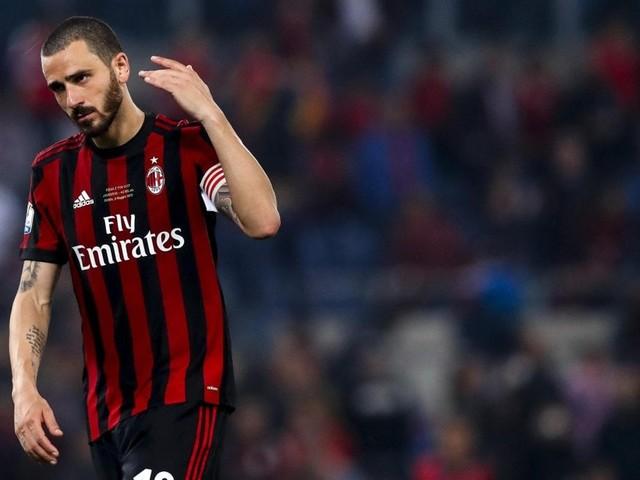 Milan, senza Coppe rischio di perdere i big: United su Bonucci, Real-Suso si può