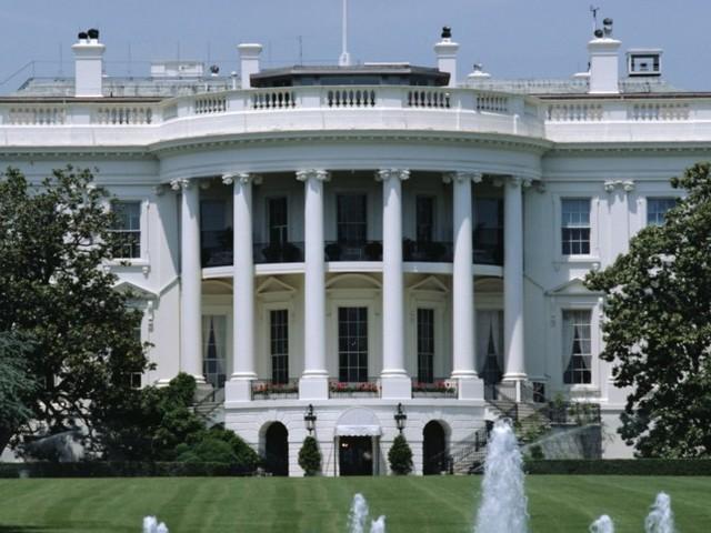 America2020:Trumpsceglie il set, la Casa Bianca