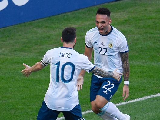 """Inter, Zanetti: """"Nessuna offerta arrivata per Lautaro Martinez, se Messi lo vuole…"""""""