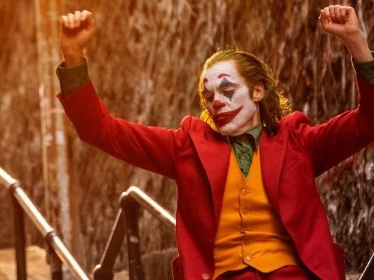 Joker: Matthew Perry di Friends come Arthur Fleck nel meme sul film!