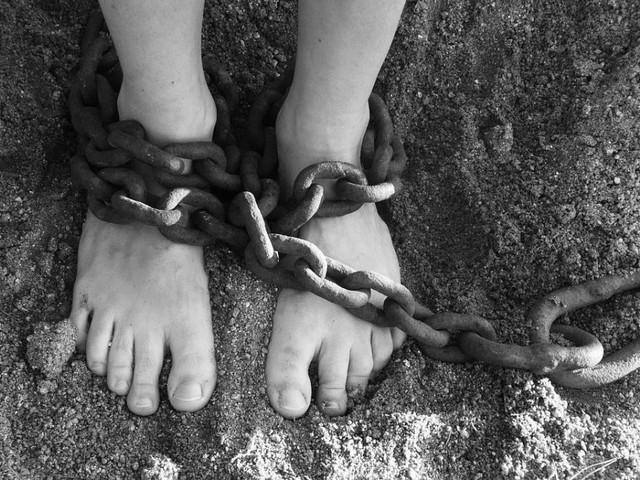 India, ragazza di 19 anni muore dopo uno stupro. Proteste in tutto il Paese