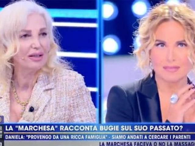 """La D'Urso asfalta Daniela Del Secco: """"Non mando niente"""""""