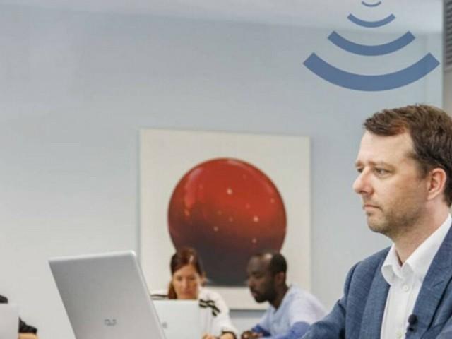 Lampadine connesse a Internet con la luce: i nuovi modelli Philips trasmettono dati a 150 Mbps