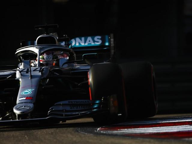 F.1, GP di Russia - Doppietta Mercedes a Sochi, vince Hamilton