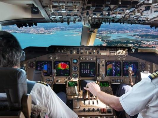 Olbia, aereo costretto a compiere un atterraggio d'emergenza