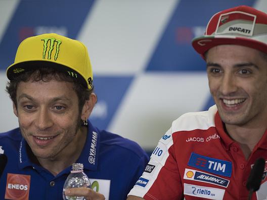 """Prime foto di Rossi, Iannone: """"Misano non sarà la stessa senza te"""""""