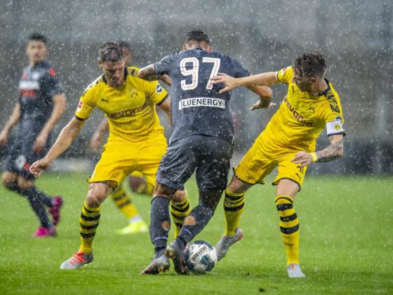 Itaker, Hitler e Lasagne: la telecronaca razzista contro l'Udinese sul canale del Borussia Dortmund
