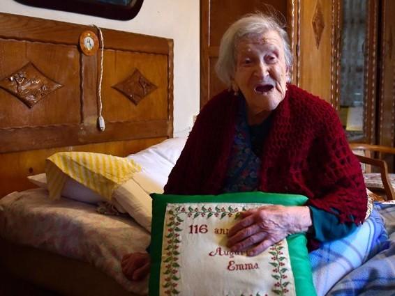 Supercentenari, scoperto il segreto della longevità