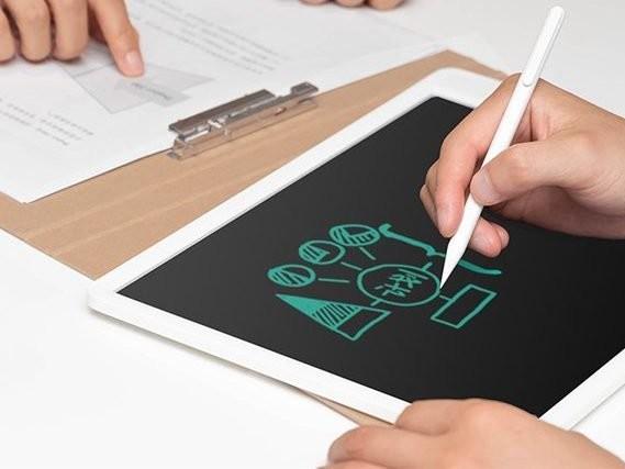 Xiaomi MIJIA LCD Digital ha un anno di autonomia e costa appena 6 euro