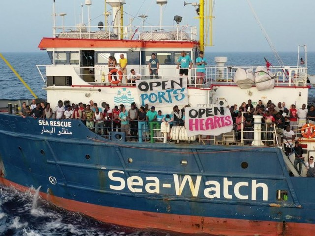 Migranti, Open Arms e Sea Watch sbarcheranno a Messina e Taranto