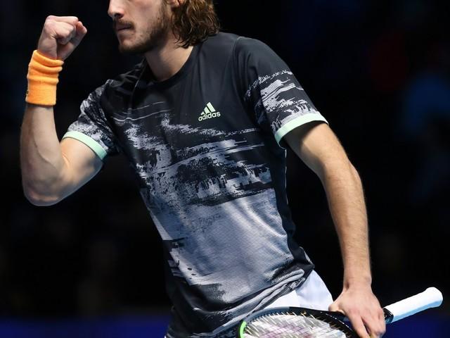 Tennis, Tsitsipas è il re di Londra: Thiem battuto due set a uno