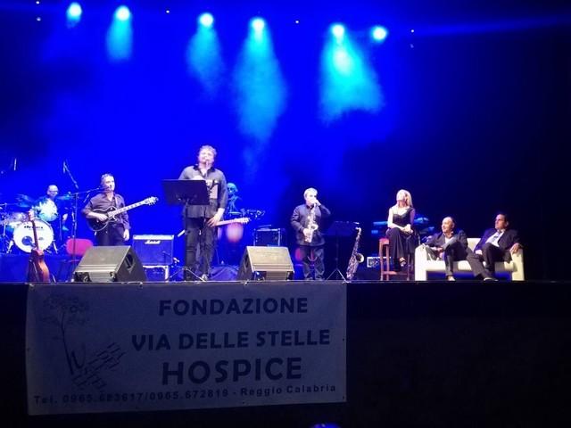 """Reggio Calabria: la musica live di """"Pino Daniele a modo nostro"""" conquista il Cilea"""