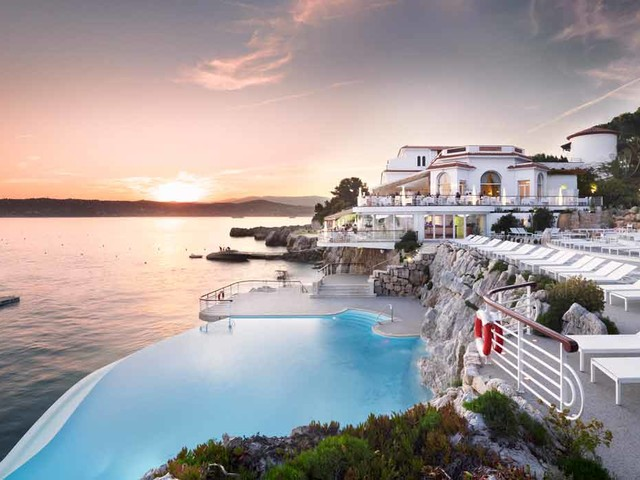 Sulla Costa Azzurra, vacanze di lusso come negli Anni '60