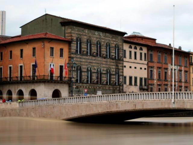Maltempo, la piena dell'Arno dimostra che sono stati fatti passi avanti. Ma attenzione agli alibi facili