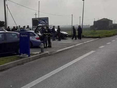 Ciclista travolto e ucciso in Romea: traffico in tilt