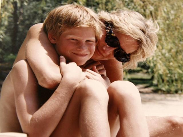 Lady Diana e Kate Middleton, mamme a confronto