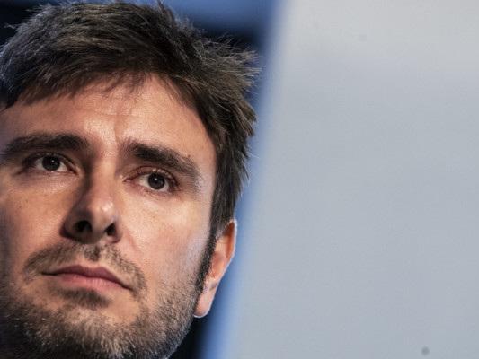 """Di Battista dice no al Mes: """"Rischia di spalancare le porte alla troika"""""""