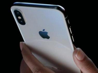 iPhone X assemblati illegalmente da studenti tirocinanti. Apple ammette