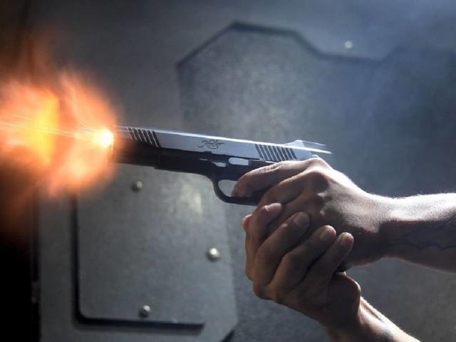 Pensionato spara ai gestori di un locale: un morto e due feriti