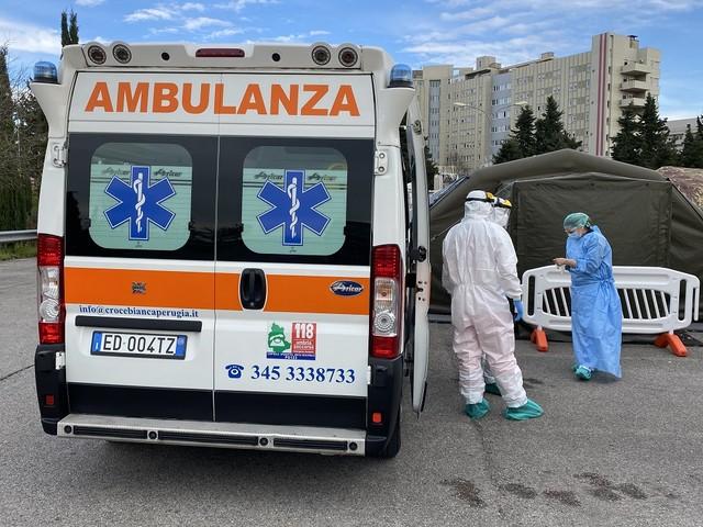 Covid in Umbria, si torna alle due cifre: 68 nuovi contagi | Salgono i ricoveri e i decessi