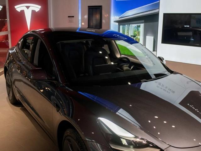 Hertz acquista 100 mila veicoli Tesla, e la società di Elon Musk vola in borsa