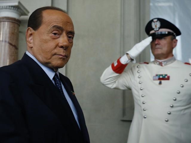 L'allarme di Berlusconi: libro dei sogni Pd-M5s che costerà caro all'Italia