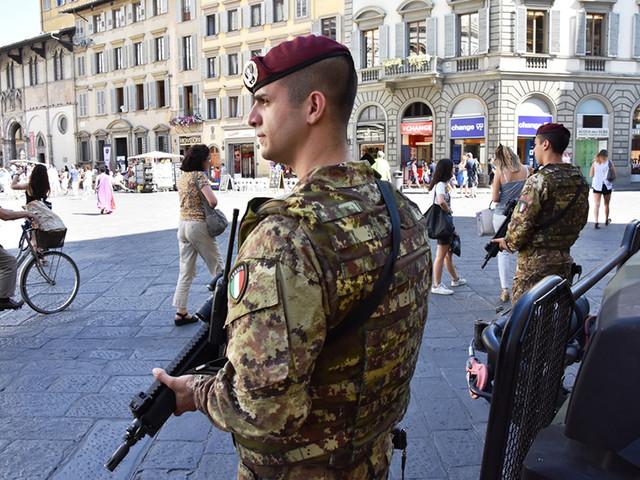 Ferragosto di lavoro per 18mila soldati, in campo per la sicurezza del Paese