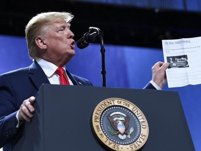 """Impeachment, difesa di Trump: """"Vogliono escluderlo dal voto"""""""
