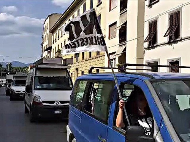 Protesta mercati ambulanti a Scandicci, 300 in piazza contro le chiusure