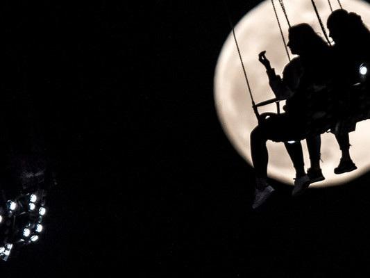 Cinquant'anni dopo la prima volta tutti vogliono tornare sulla Luna