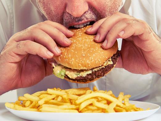 Ami il Fast food? Attento, per il nostro sistema immunitario è come un'infezione