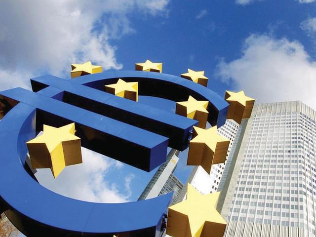 Zona Euro, l'economia cresce a passo spedito