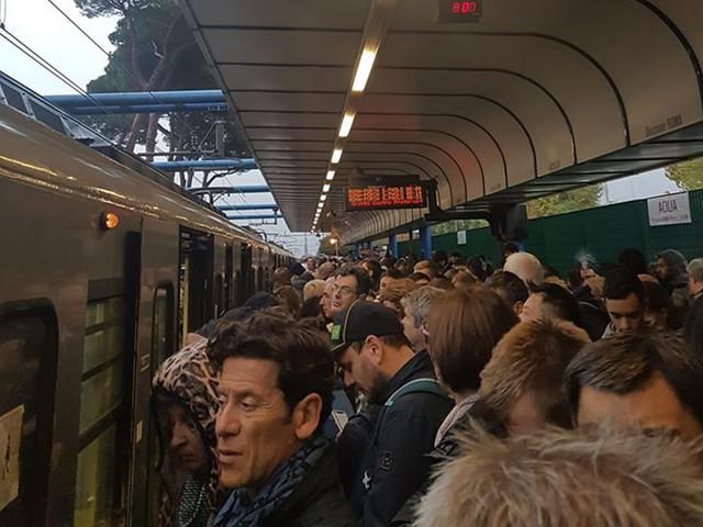Roma Lido, guasto ad un treno: servizio fortemente rallentato