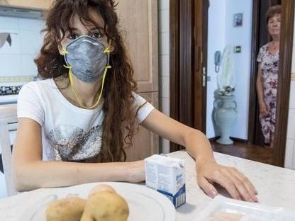 Serena, allergica a ogni odore e cibo. «Dopo solo la morte»