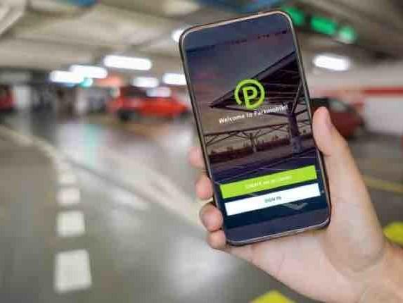 Idea Bmw, far parcheggiare le auto da sole