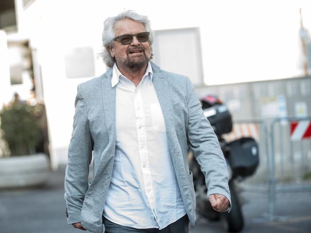 """Beppe Grillo annulla il suo tour: """"Mi devo sottoporre a un intervento chirurgico"""""""