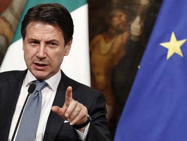 Conte: «Con i minibot a rischio i risparmi degli italiani»
