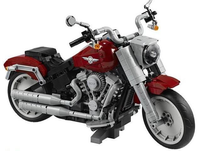 La Harley di mattoncini: 1.023 pezzi per una Fat Boy di 20 cm