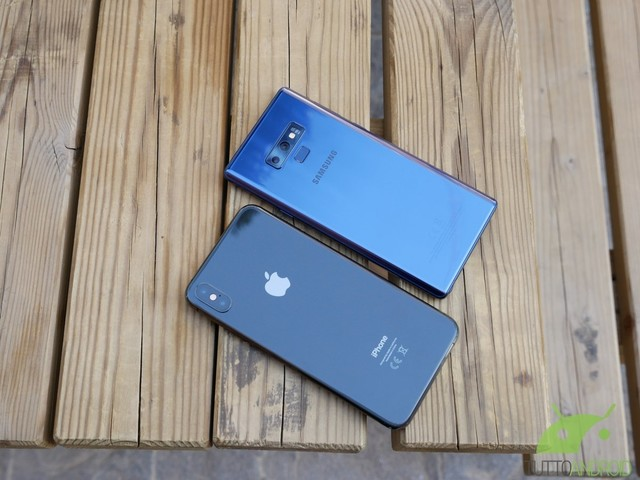 Che guaio per Apple e Samsung: negli USA avviate due class action per le radiazioni emesse da alcuni smartphone