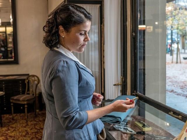 Cast e personaggi di Aenne Burda La Donna del Miracolo Economico su Canale5 tra tradimenti e rivalsa