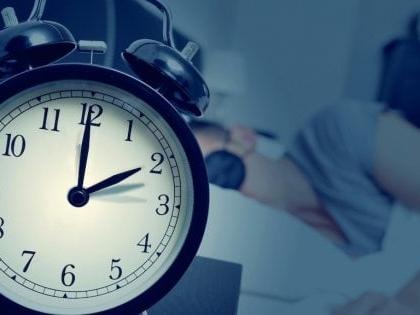 Domenica 27 ottobre torna l'ora solare: lancette indietro di un'ora