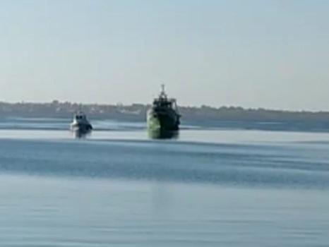 """Rientra a Mazara il peschereccio attaccato dai libici: """"Vivi per miracolo"""""""