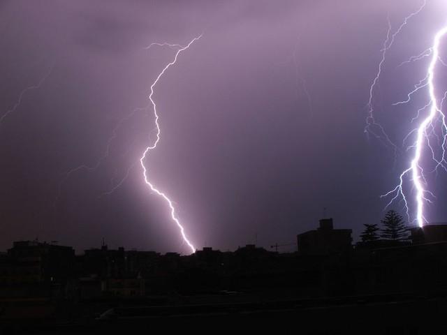 Maltempo in aumento nella Sicilia orientale, è allerta meteo arancione