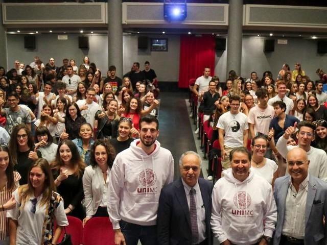 Unimc, Giornata delle matricole 2019: il rettore Adornato fa squadra con coach Fefè De Giorgi (FOTO)
