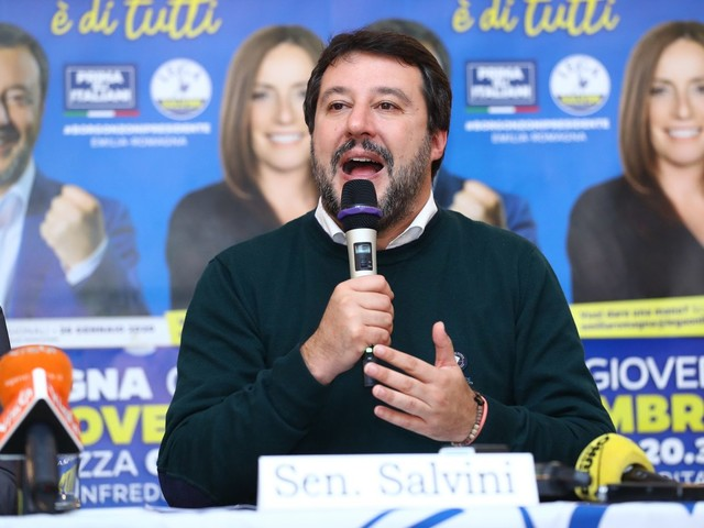 """Emilia Romagna, Salvini lancia la campagna elettorale: """"Prima liberiamo Bologna e poi Firenze"""""""
